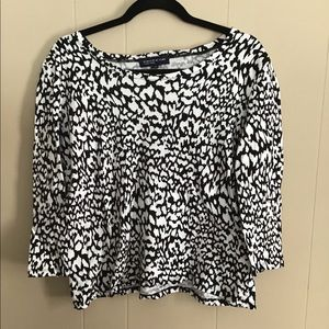 Size large long sleeves top never worn.